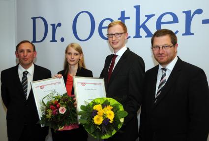Karola-Bause-und-Soeren-Rossmann-von-der-Hochschule-Ostwestfalen-Lippe-gewinnen-Dr-Oetker-Preis-2014