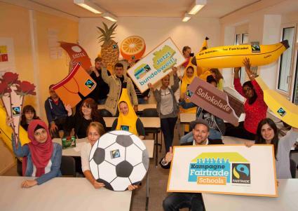 Fairtrade-macht-deutschlandweit-Schule-Ben-ruft-Schulen-zum-Mitmachen-auf-und-zeichnet-die-August-Sander-Schule-zur-ersten-Fairtrade-School-Berlins-aus