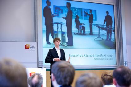 Brandneue-IT-Loesungen-in-kurzweiliger-Wissens-Show-Hasso-Plattner-Institut-laedt-zu-Bachelorpodium-ein