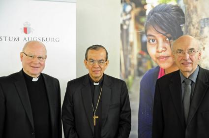 Junge-Menschen-stark-machen-Pressekonferenz-zur-Eroeffnung-der-bundesweiten-Adveniat-Aktion-in-Augsburg