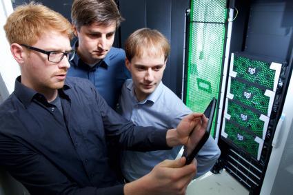 CeBIT-Hasso-Plattner-Institut-demonstriert-Leistungsvergleich-von-Hoechstgeschwindigkeits-Datenbanken-Unternehmen-koennen-effizientestes-IT-System-ermitteln