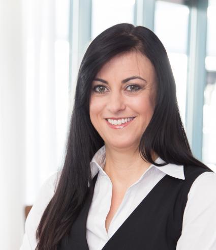 Accenture-Studie-2015-Frauen-fuehlen-sich-den-Anforderungen-der-digitalen-Arbeitswelt-gewachsen-zudem-bereiten-immer-mehr-Unternehmen-Frauen-auf-Fuehrungspositionen-vor
