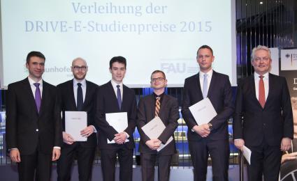 Wissenschaftlicher-Nachwuchs-fuer-die-Elektromobilitaet-mit-DRIVE-E-Studienpreisen-2015-ausgezeichnet-BMBF-und-Fraunhofer-Gesellschaft-praemieren-herausragende-studentische-Arbeiten