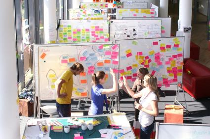 Neue-Website-fuer-Design-Thinker-in-aller-Welt-informiert-rund-um-Innovationen