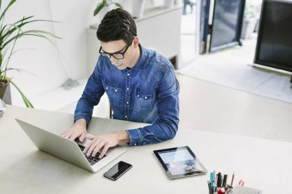 Fernstudienanbieter-weiten-Angebot-an-Online-Lehre-aus