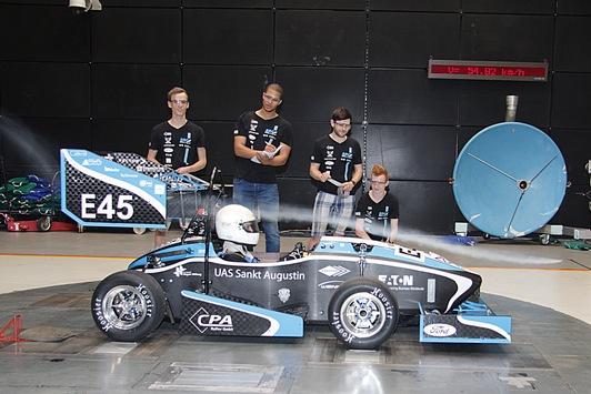 Mit-Rueckenwind-aus-dem-Windkanal-Ford-unterstuetzt-Elektromobilitaet-in-der-Formula-Student