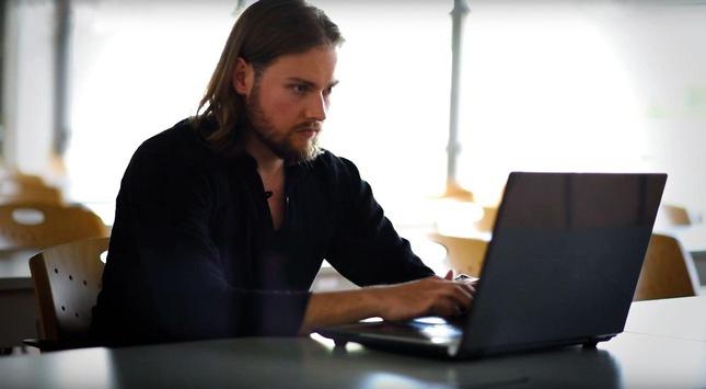 Neue-Form-des-Studierens-Online-und-neben-dem-Beruf-Ein-Interview-mit-dem-Online-Studierenden-Constantin-Foltin