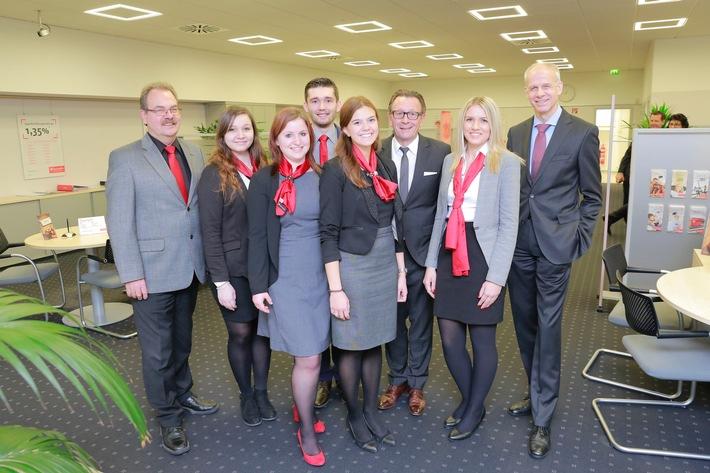 Santander-Nachwuchs-leitet-Bank-Filiale-in-Oberhausen