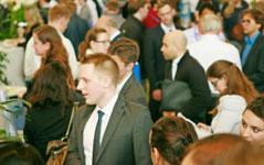 Das Berufseinsteiger Gehalt ist von Interesse und Thema der Karrieregespräche