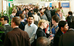 Firmen und Traumjob auf einem Karriere-Event finden