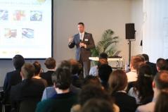 Firmenvorträge bieten Einblicke in unterschiedliche Unternehmensphilosophien und Karrieremöglichkeiten