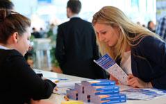Karrierestart am Infostand auf der Karrieremesse Berlin