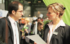 Mitarbeiter einstellen über Stellenanzeigen - auf den Jobmessen Berlin