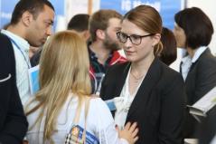 Personaler nutzen die Karrieremesse aktiv zum Recruiting zukünftiger Mitarbeiter