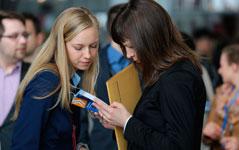 Praktikanten gesucht - Karrierestarter stellen sich vor - Die Jobmessen in Berlin