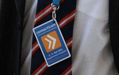 Qualifizierte Studenten und Absolventen identifizieren sich mit der Messe-IDCard