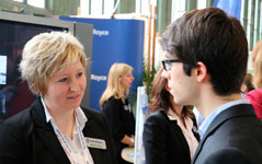 Rolls-Royce rekrutiert Personal auf Karrieremessen in Berlin